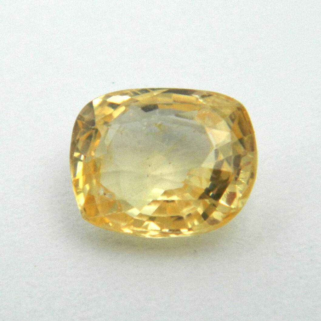 3.40 Carat/ 3.77 Ratti Natural Ceylon Yellow Sapphire Gemstone