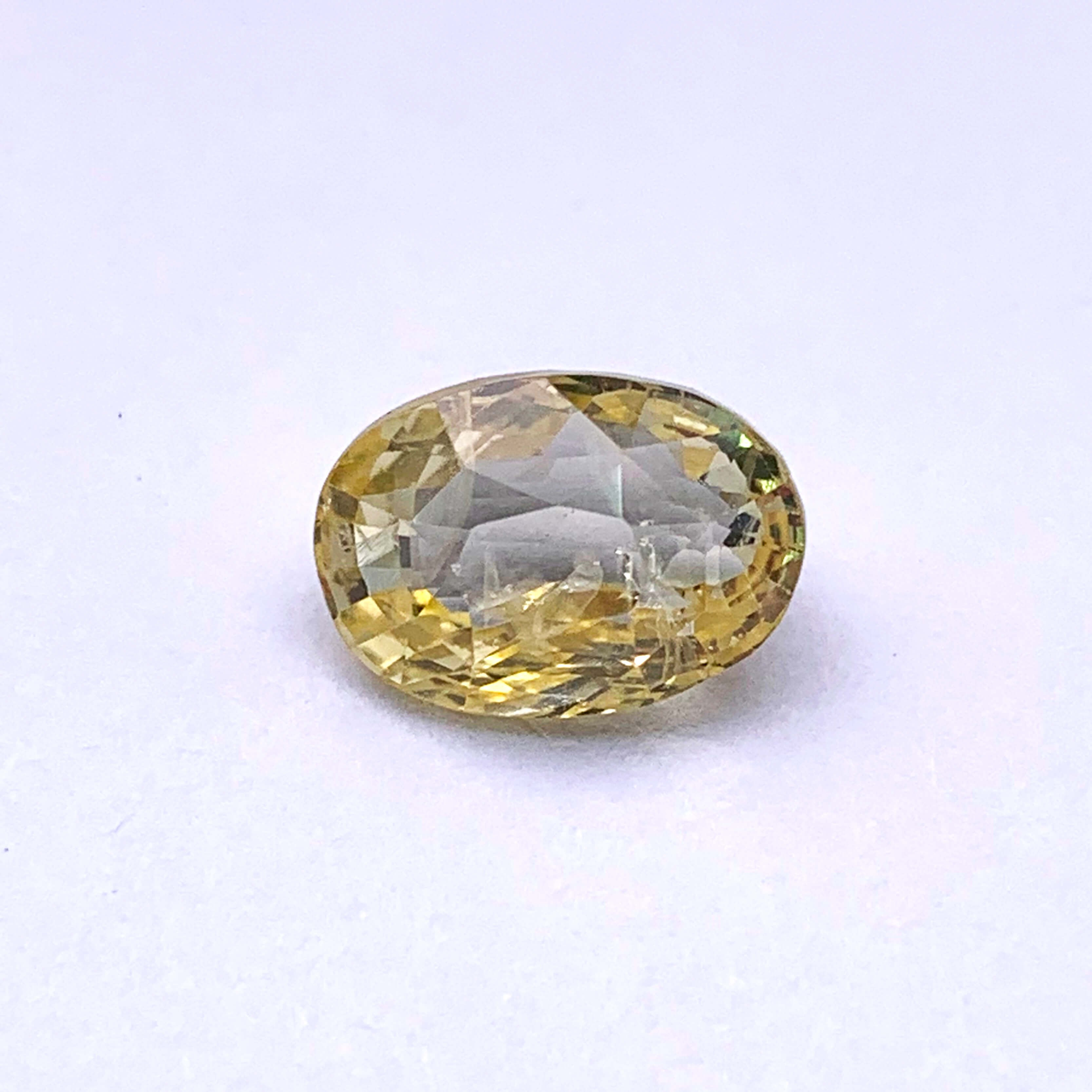 4.75 Carat/ 5.27 Ratti Natural Ceylon Yellow Sapphire Gemstone