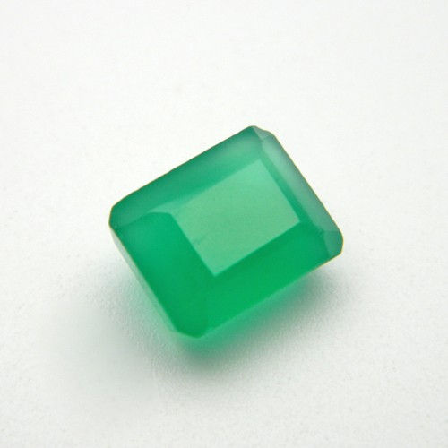 7.65 Carat  Natural Green Onyx Gemstone