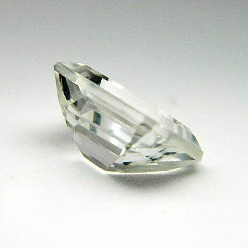 4.18 Carat/ 4.64 Ratti Natural White Topaz Gemstone