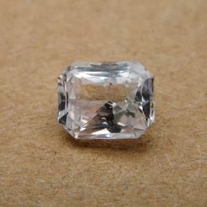 2.43 Carat/ 2.69 Ratti Natural Ceylon Colorless Sapphire Gemstone