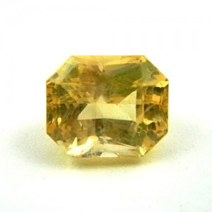 8.38 Carat/ 9.31 Ratti Natural Ceylon Yellow Sapphire (Pukhraj) Gemstone