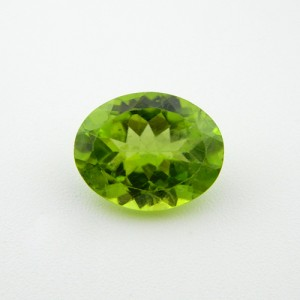 5.57 Carat/ 6.18 Ratti Natural Peridot Gemstone