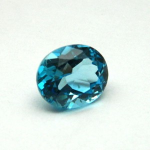 6.47 Carat/ 7.18 Ratti Natural Blue Topaz Gemstone