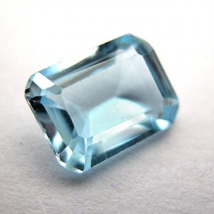 1.8 Carat/ 2 Ratti Natural Blue Topaz Gemstone