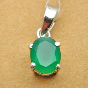 green  onyx  Gemstone   Pendant